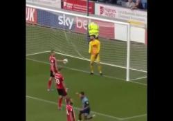 Inghilterra, tripletta magica: punizione e due gol «olimpici» L'impresa di Joe Jacbons, giocatore dei Wycombe Wanderers, terza serie inglese - Dalla Rete
