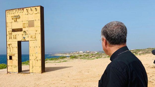 Lampedusa, migranti, Corrado Lorefice, Palermo, Cronaca