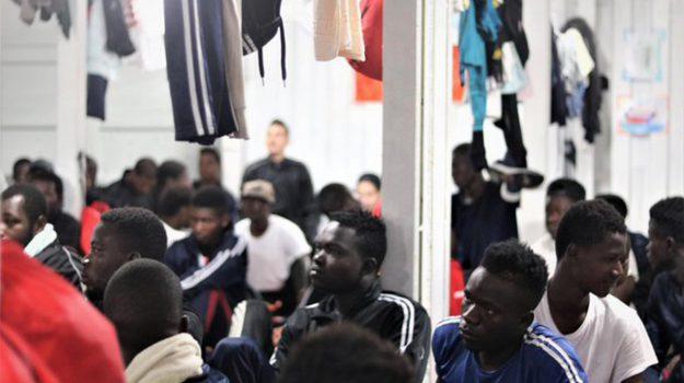 migranti, Luciana Lamorgese, Messina, Cronaca