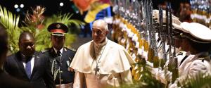 """Papa Francesco in Mozambico: """"Gli Usa mi attaccano? Un onore"""""""