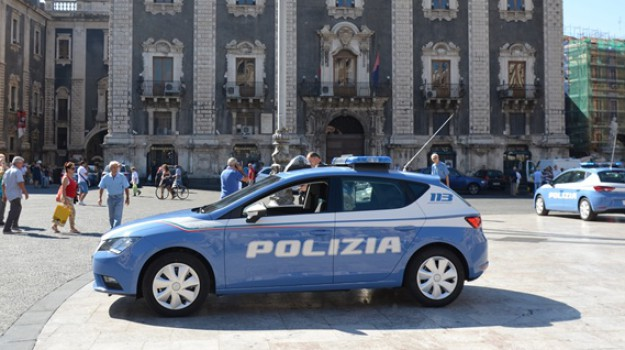 aggressione, stalking, Catania, Cronaca