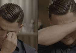 Ronaldo scoppia in lacrime ricordando il padre morto «Sono diventato il numero uno e lui non sa nulla». Il giocatore non trattiene le lacrime nell'intervista con Piers Morgan sulla tv inglese - CorriereTV