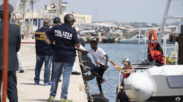 Lampedusa, migranti, pozzallo, Matteo Salvini, Ragusa, Cronaca