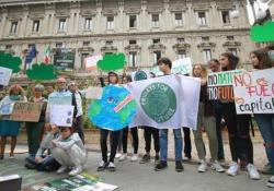Sciopero per il clima, milioni in marcia in tutto il mondo I manifestanti chiedono ai governi di agire in maniera più incisiva contro i cambiamenti climatici - Ansa