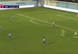 Singapore, il gol a volo sembra telecomandato Un gol così capita di vederlo solo in palcoscenici internazionali - Dalla Rete