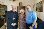 Nella foto nonna Concetta, il Vescovo di Patti e Don Enzo Caruso