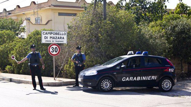 campobello di mazara, carabinieri, lavoro in nero, Trapani, Cronaca