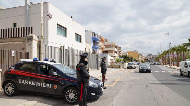 aggressione, carabinieri, pozzallo, Ragusa, Cronaca