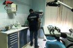 Falso dentista a Biancavilla, nello studio strumenti di ultima generazione