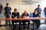 Droga, arrestato un 22enne sfuggito alla cattura a Gela