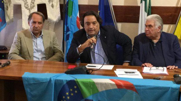 LAVORO, OSPEDALI, sanità, Messina, Economia