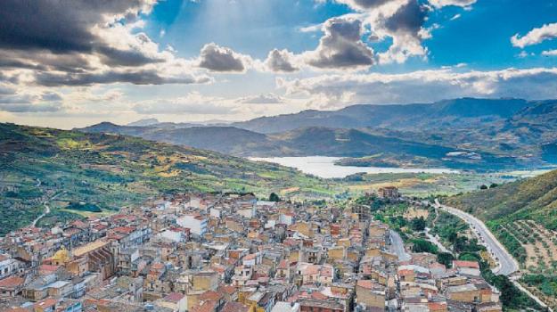 alessandria della rocca, turismo, Agrigento, Economia