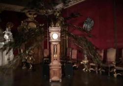 Ars Electronica di Linz, la pendola-pavone di Volkmar Klien «Abschwellen Anschwellen» è l'orologio che scansiona il tempo con  piume d'uccello  - Corriere Tv
