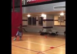 Basket, va a canestro e corre sul muro De Andre Bray è un freestyler del basket - Dalla Rete