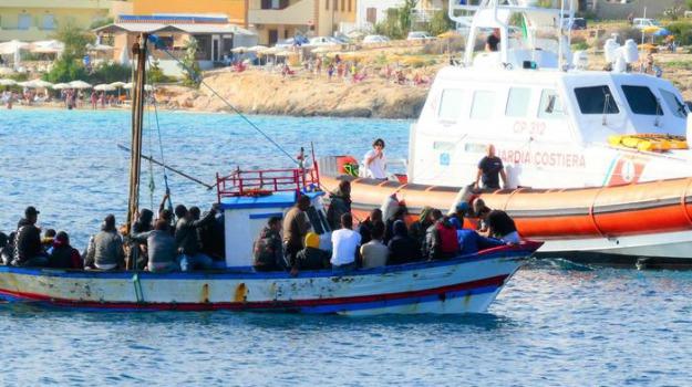 migranti, Totò Martello, Agrigento, Politica