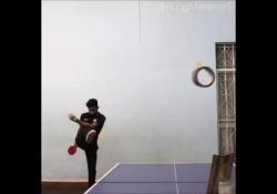 Calcio e ping pong: il colpo è magico Può sembrare impossibile, eppure l'unione tra calcio e ping pong è possibile - Dalla Rete