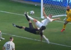 Carlos Vela batte Ibra: 34 reti e nuovo record Il 30enne attaccante messicano vince il titolo di capocannoniere nella Major League Soccer - CorriereTV
