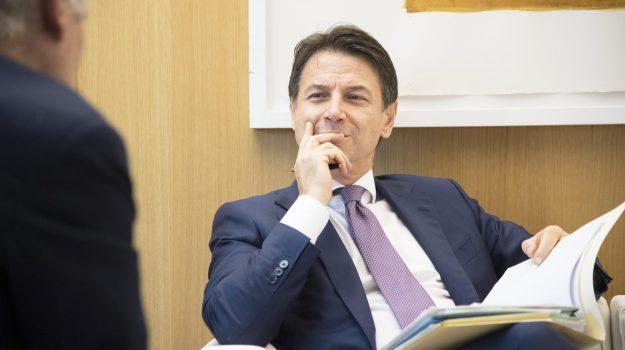 manovra, tasse, Giuseppe Conte, Sicilia, Politica