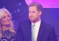 Harry parla della gravidanza di Meghan e si emoziona Il principe si commuove durante i WeelChild Awards quando parla della gravidanza della moglie - Corriere Tv