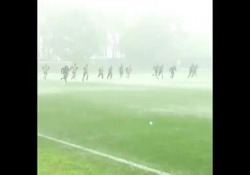 Inter, allenamento estremo sotto il temporale L'effetto Antonio Conte è totale sull'Inter. Anche negli allenamenti - Dalla Rete