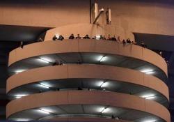 Le scale di San Siro sembrano girare: torna virale lo strano effetto ottico Le scale del San Siro girano improvvisamente: il video da oltre un milione di visualizzazioni - CorriereTV