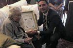 """Festa a Giarre, la """"signorina"""" Musumeci taglia il traguardo dei 101 anni"""