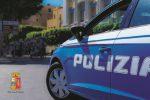 Il proprietario di un casolare trova all'interno armi e droga: indagini a Catania