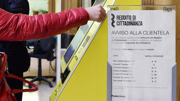 Cinisi, reddito di cittadinanza, Palermo, Cronaca