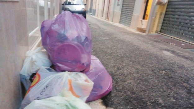 castellammare del golfo, rifiuti, Trapani, Cronaca