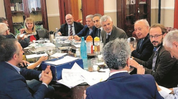 rifiuti, Alberto Di Girolamo, Alberto Pierobon, Nicolò Catania, Tommaso Ricciardi, Trapani, Economia