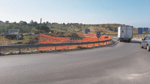 strade, Lillo Firetto, Agrigento, Economia