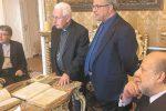 Siracusa, ritrovato e restaurato un antico libro di battesimo