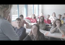 Un anno di scuola raccontato in un'ora di film L'istituto Marco Polo di Firenze ha ospitato per un anno un regista, che ha ripreso lezioni, consigli, assemblee: ne è venuto fuori un film che sarà proiettato il 26 nell'ambito della festa del cinema di Roma - CorriereTV