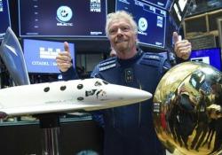 Wall Street, «Virgin Galactic» quotata in Borsa: Branson suona la campanella La società che si occupa di turismo spaziale, fondata nel 2004, è la prima nel suo genere a essere valutata a New York - Ansa