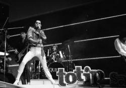 1991-2019: 28 anni senza Freddie Mercury Il leader dei Queen è morto a Londra il 24 novembre 1991 a causa di una broncopolmonite aggravata dall'Aids - Ansa