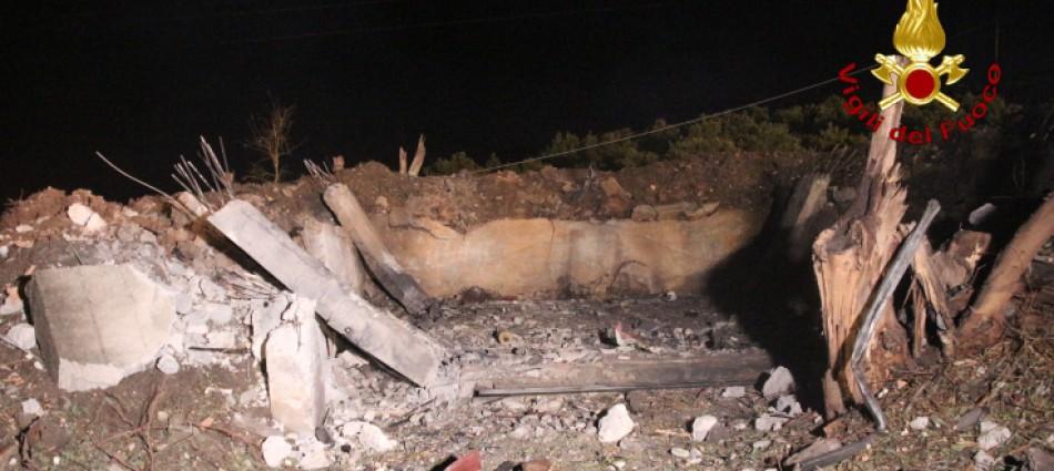 Esplode una fabbrica di fuochi d'artificio, strage a Barcellona Pozzo di Gotto: cinque morti e due feriti