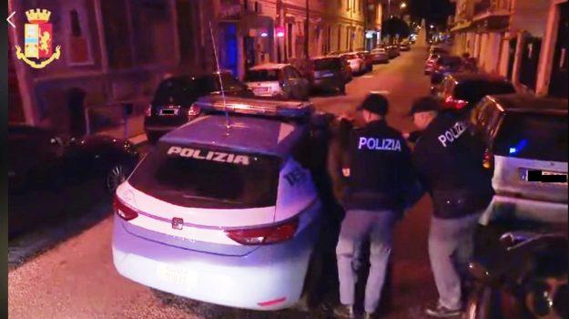 droga, polizia, Caltanissetta, Cronaca
