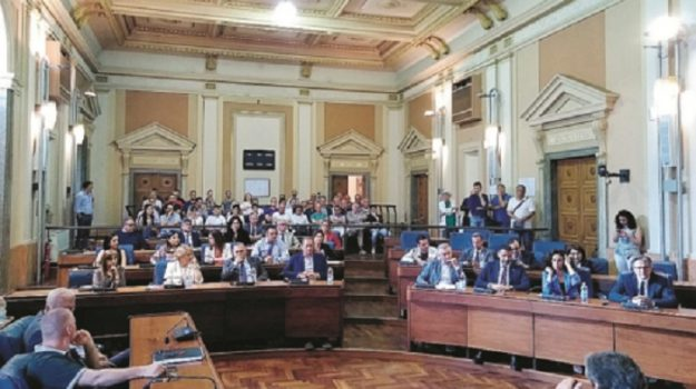 comune caltanissetta, Caltanissetta, Politica