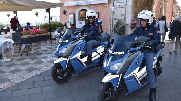 stalking, taormina, Messina, Cronaca
