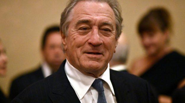 Robert De Niro, Sicilia, Società