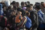 Migranti: Corte Ue, vitto e alloggio non sono revocabili