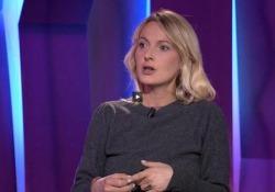 Andrea Marcolongo: «Il Mediterraneo rosso sangue di Omero e noi»  - Corriere Tv