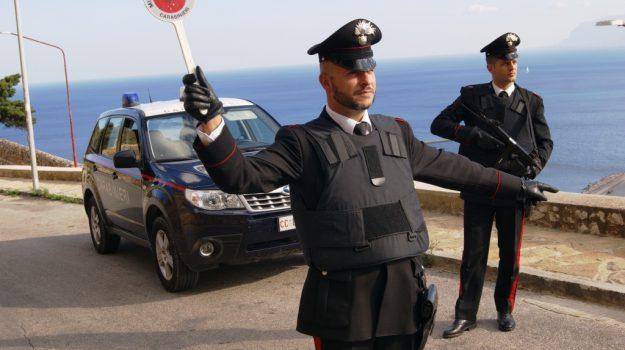 carabinieri, stalking, Palermo, Trapani, Cronaca