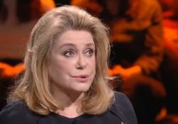 Catherine Deneuve, l'intervista a «Non è L'Arena»: «Io una diva? No, faccio una vita normale» L'attrice francese intervistata nel febbraio 2018 da Massimo Giletti su La7 - Corriere Tv