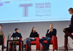 Fca, Elkann replica alla giornalista: «La fusione è stata solo annunciata» Il presidente del gruppo italo-americano è intervenuto al Festival della Tecnologia di Torino - Ansa