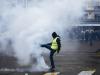 A Parigi tornano i gilet gialli: scontri e oltre 100 fermati