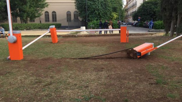 vandalismo, Adham Darawsha, Fabrizio Ferrandelli, Palermo, Cronaca