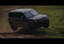 La nuova Land Rover Defendernel prossimo film di James Bond Le immagini delle riprese della 25a puntata della saga cinematografica - Corriere Tv