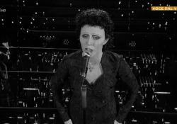 Lidia Schillaci incanta i giudici con Edith Piaf a Tale e Quale Show Il programma di Rai2 condotto da Carlo Conti è stato seguito da 3,9 milioni di telespettatori, con il 19,36% di share - Corriere Tv
