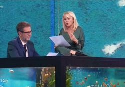 Luciana Littizzetto e la letterina all'evasore fiscale: «Sei uno str...» Durante la puntata di «Che tempo che fa» ha espresso il suo pensiero nei confronti di chi non paga le tasse: «Posso dire cosa penso di te?» - Corriere Tv